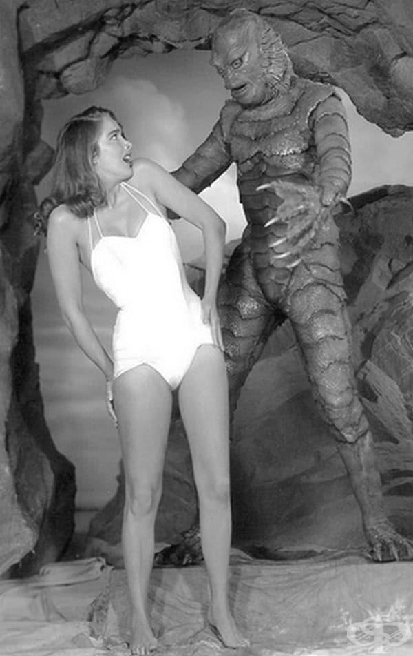 На снимачната площадка на филма на ужасите Creature From The Black Lagoon, 1954 г.
