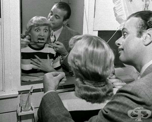 Четка за зъби, имитираща истински зъби, 1941 г.