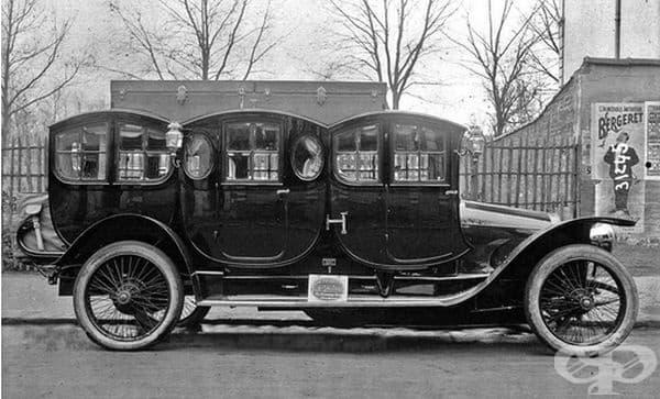 Една от първите лимузини. Франция, 1910 г.