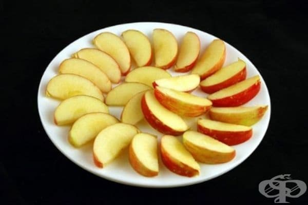 Ябълки (385 грама) = 200 калории