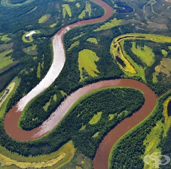 Река Юкон на границата между Канада и Съединените щати.