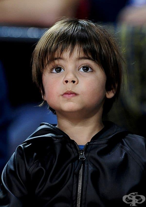 Милан Пике Мебарак, най-големият син на Шакира и Жерар Пике.
