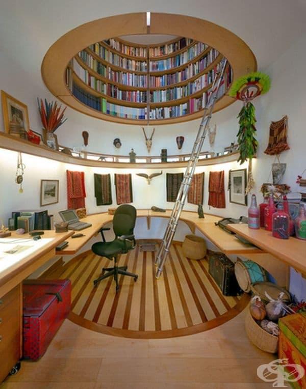 Бъдете креативни и превърнете офиса в дома в тайно скривалище с таванна библиотека.