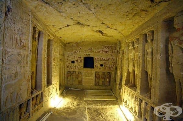 Гробницата на древния египетски първосвещеник на династията на фараоните Уатай и неговото семейство.