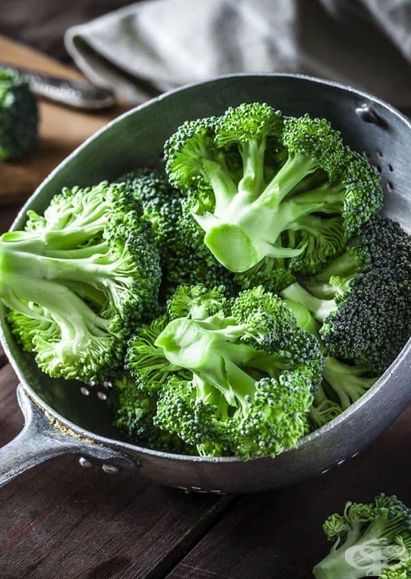 Броколи. Това е една от най-подходящите храни в процеса на отслабване, защото броколите са богати на фирби, които засищат организма. Препоръчително е по 25 - 30 гр. на ден сурови или като добавка към друго ястие.