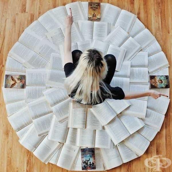 Уникални картини от артистично подредени книги