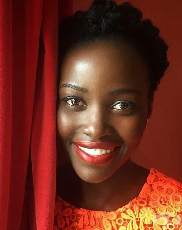 """19.Лупита Нионго, актриса, Кения/Мексико.Нионго е родена в Мексико, но израснала в Кения.Смята се за една от най-красивите съвременни актриси.През 2013г. печели Оскар за ролята си във филма """"12 Years a Slave"""", след което кариера й се развива стремглаво."""