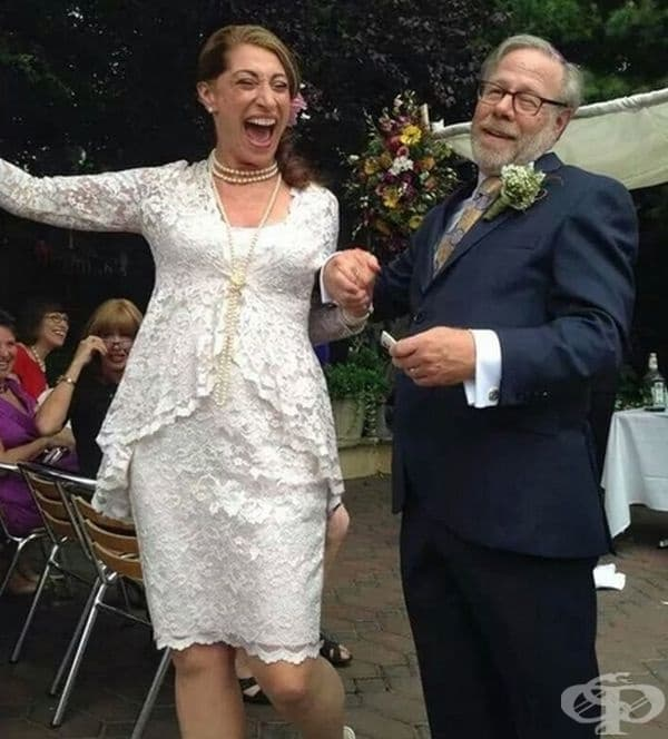 """""""Майка ми се ожени днес на 61 години. Мисля, че тази снимка обобщава всичко."""""""