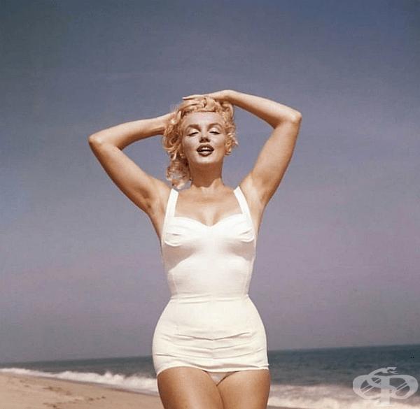 Снимките са направени на Amagansett Beach, Ню Йорк, през юли 1957 г.
