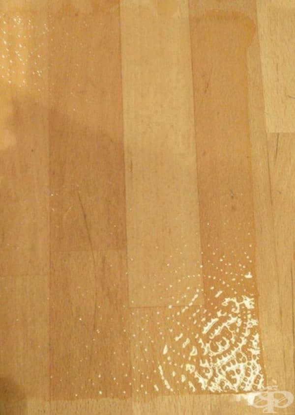 Кухненската хартия е станала почти невидима след намокряне.
