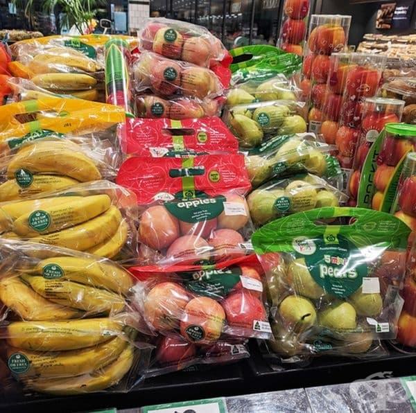 Супермаркет, който се е отказал от найлоновите торбички, но продава ето това.