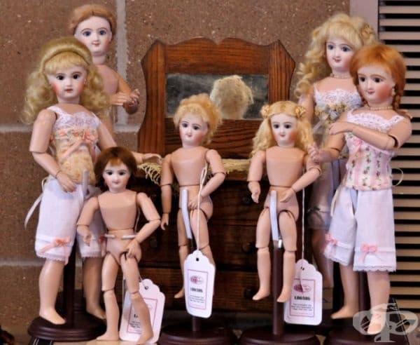 Във Франция е забранено да се продават кукли без човешки лица.