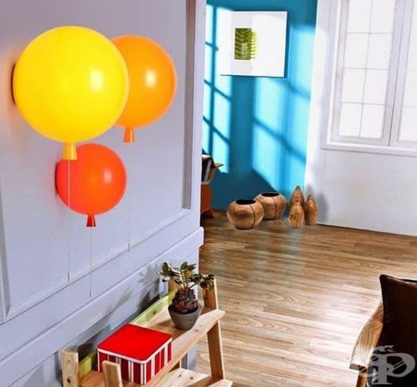 Детска лампа под формата на балони.