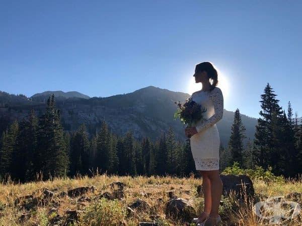 """""""Оженихме се във вторник сутринта сами в планината. Свещеникът повика двама непознати за свидетели. Това е най-добрата снимка, която съм правил някога."""""""