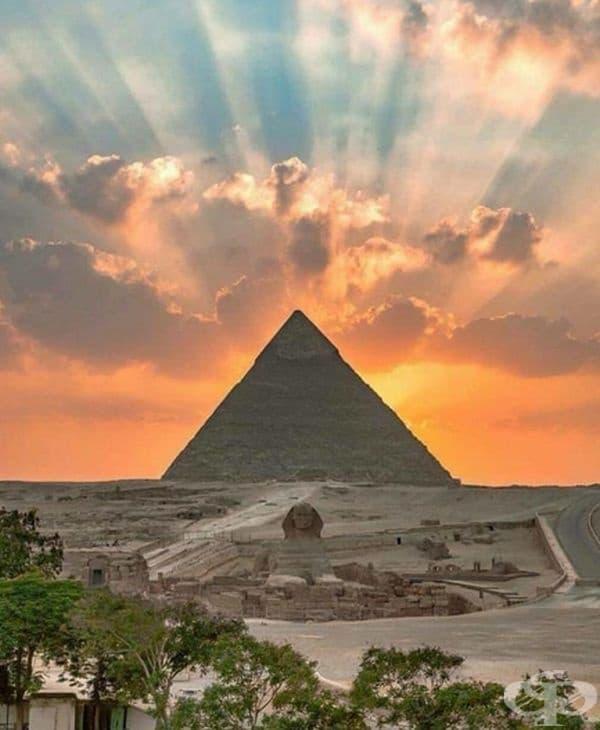 Залез в Египет.