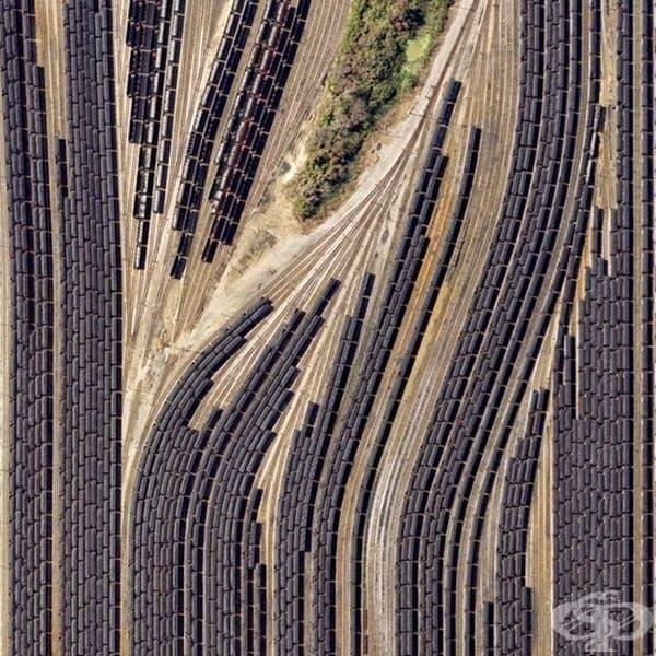 Птичи поглед на влакове.