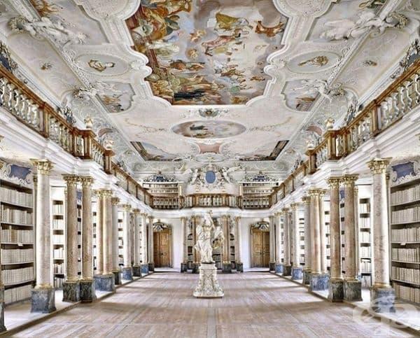 Библиотека на Абатство Отобойрен, Германия.