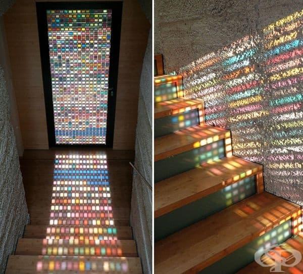 Направете си стъклена врата или прозорци от многоцветни материали, за да внесете цвят и настроение в дома.