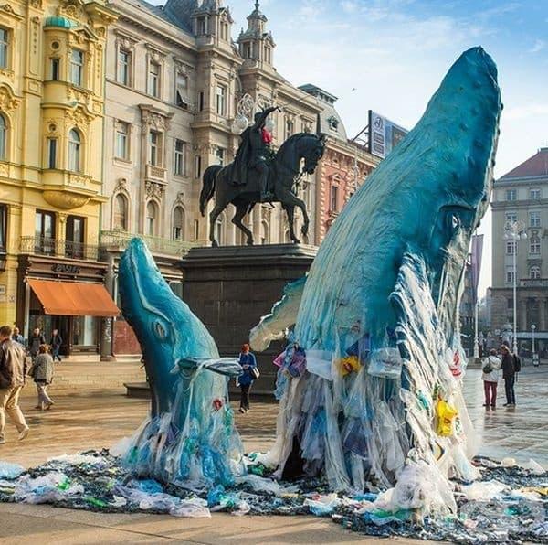 Тези китове ще открият по-малко пластмаса в центъра на Загреб, Хърватия, отколкото в морето.