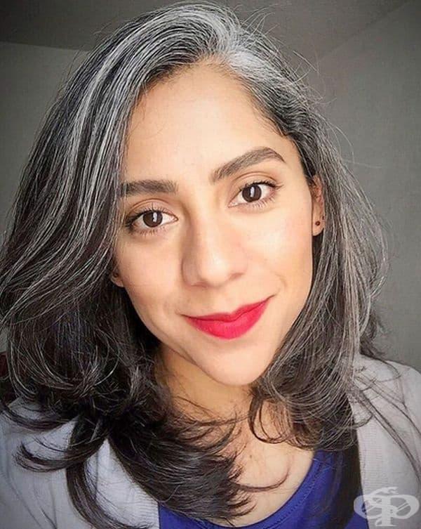 """""""Аз съм мексиканка на 30 години. В ранна детска възраст (5 г.) имах няколко бели косъма. Радвам се, че открих и други стотици жени като мен."""""""