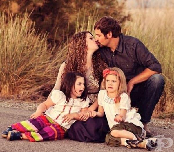 Щастлива семейна снимка.