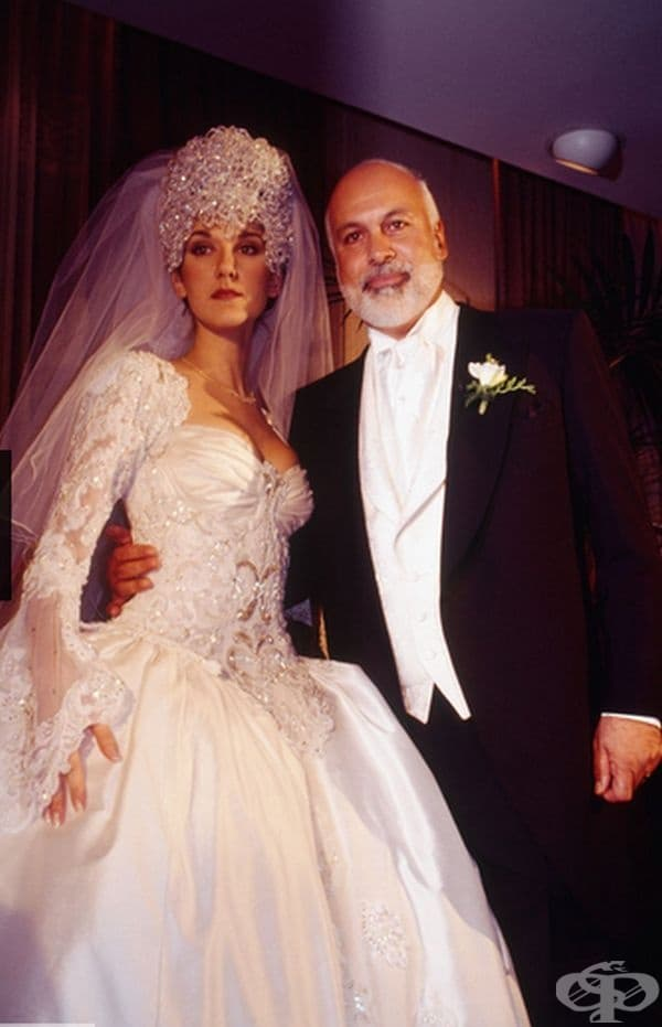 """Селин Дион, 1994г. Певицата сключи брак с мениджъра си Рене Ангелил на 17 декември 1994 г., носейки спираща дъха рокля и корона с 2000 камъни """"Сваровски""""."""