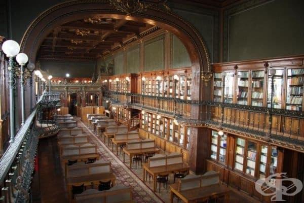 Библиотека на техническия университет, Яш, Румъния.