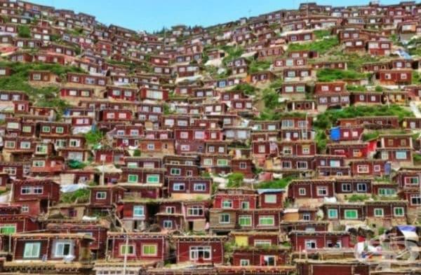 Тибетско село.