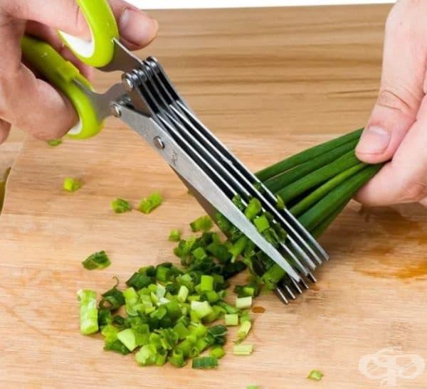 Ножица за подправки и зеленчуци.