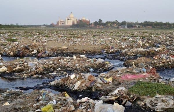 Изглед към Тадж Махал.