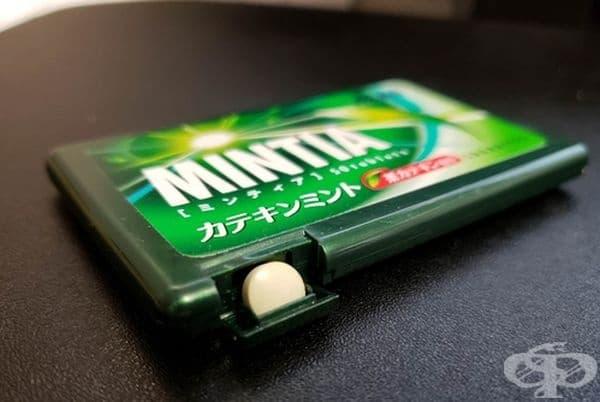 Опаковка на японска марка, която дава дъвки на брой.