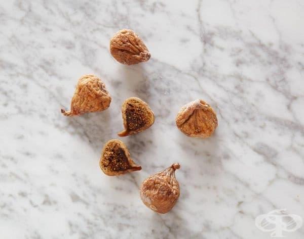 5 сушени смокини = 100 калории