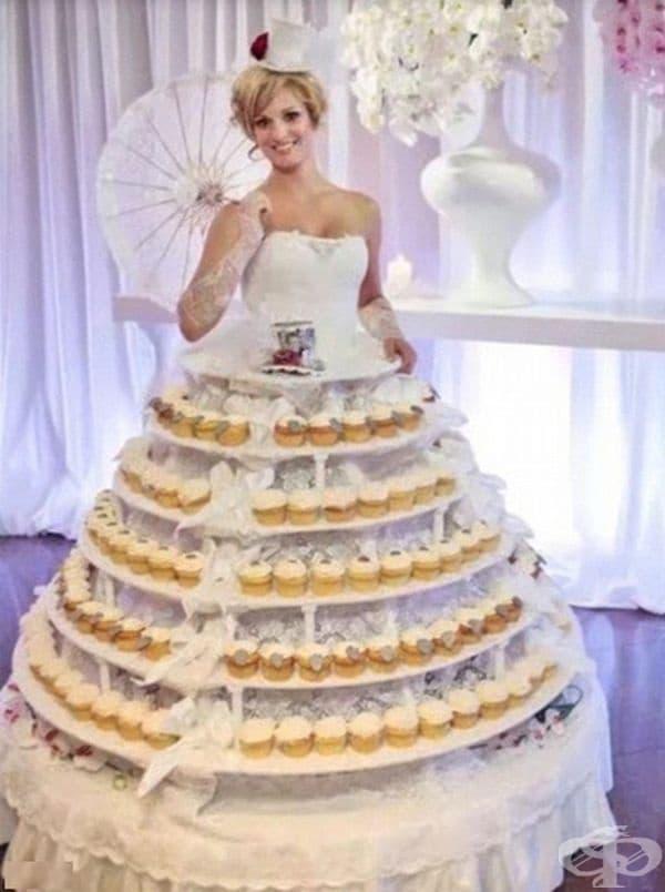 Булка и торта в едно.