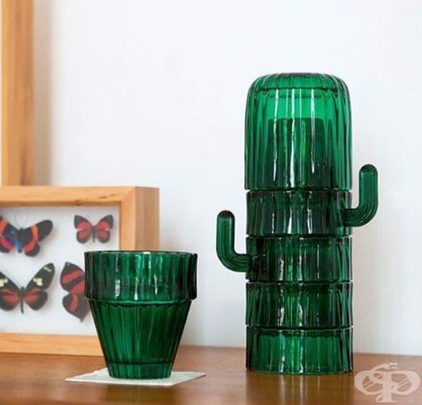 Комплект от чаши, имитиращи кактус.