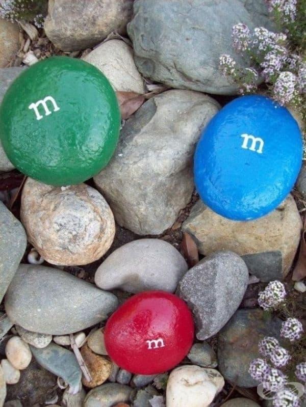 Цветни камъни - вече няма нужда да купувате фигурки, които да украсяват вашия двор.