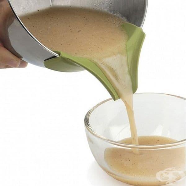 Приспособление за лесно прехвърляне на ястие или сос в друг съд.