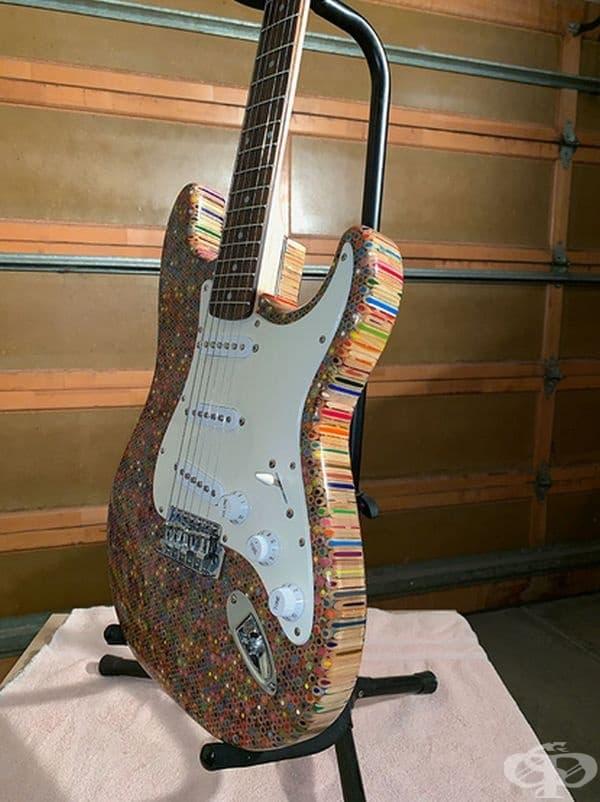 """""""Трудната част от изработката на китарата бе в намирането на инструменти."""""""