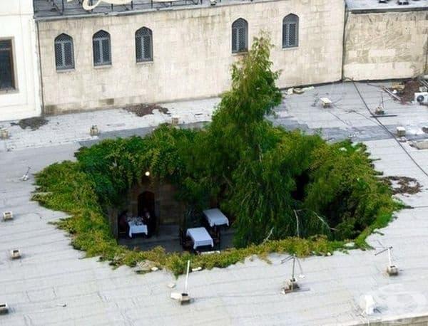 Ресторант Caravanserai, Азербайджан. Ресторант с интересен интериор, където можете да опитате от традиционната кухня на Баку.