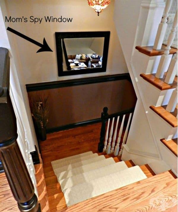 Шпионският прозорец на мама може да ви спести изкачването на стъпалата по няколко пъти на ден.