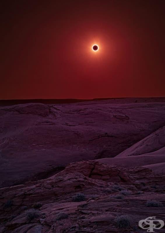 Слънчево затъмнение в националния парк Каньон де Шели, Аризона.