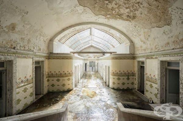 Изоставени термични бани във Франция.