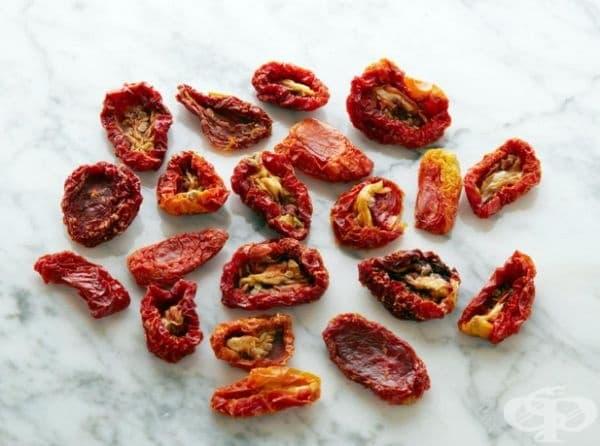 20 сушени домата = 100 калории