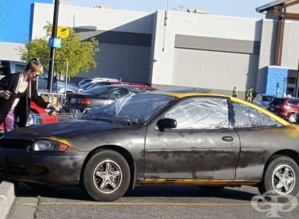 Тази жена реши да боядиса колата си със спрей!