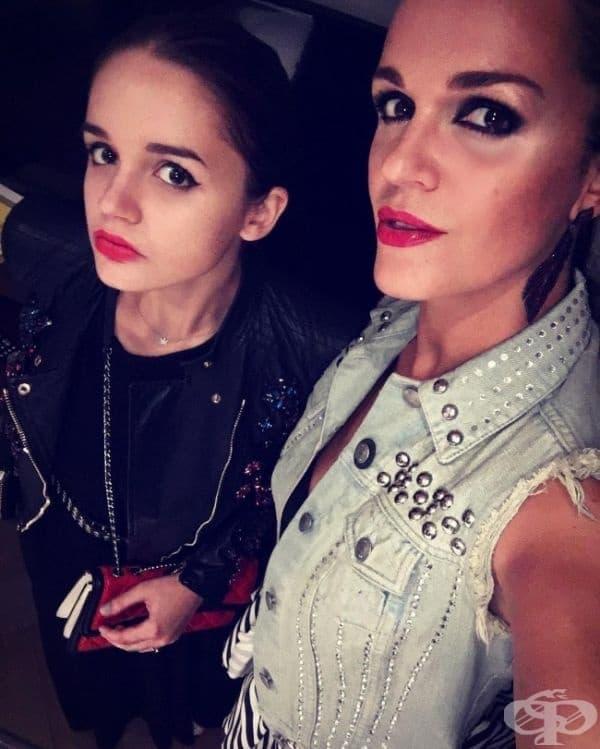 Руската певица Слава и дъщеря й Александра.