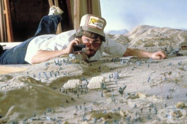 """Стивън Спилбърг по време на заснемането на """"Индиана Джоунс"""", 1980г."""