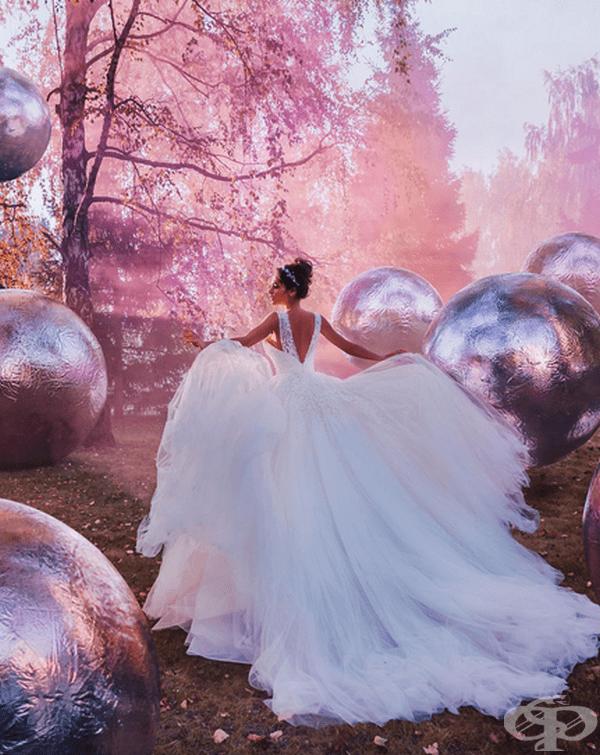 30 снимки на прекрасни момичета в рокли на фона на красиви места