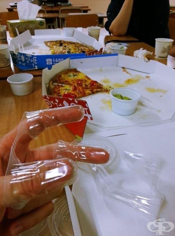 Тези приспособления често се предлагат в корейските пицарии.