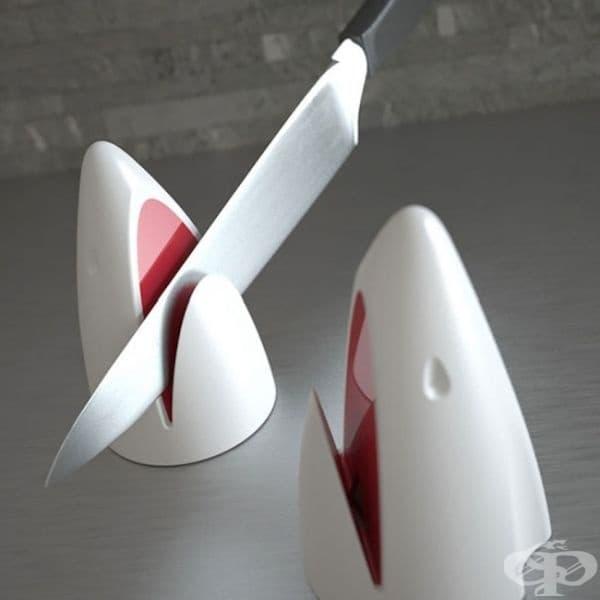 Точило за ножове във формата на акула.