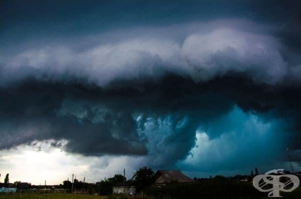 Зашеметяваща гръмотевична буря.