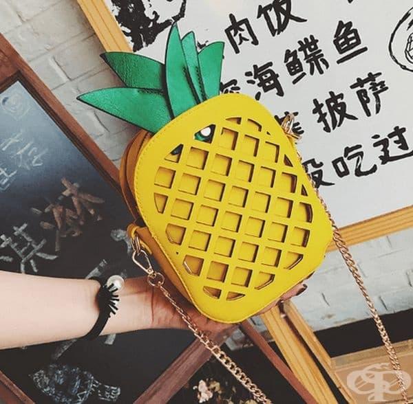 Ярък и сочен ананас.